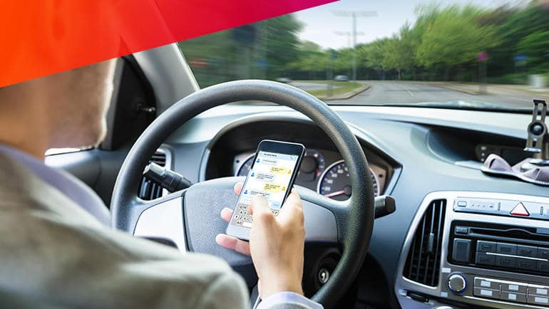 5 Distracted Driving Habits to Avoid